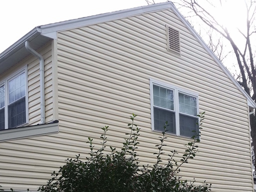 Clean Vinyl Siding After House Washing